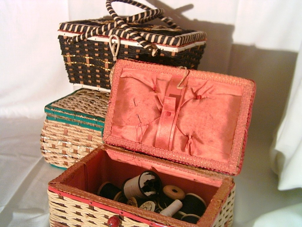 Organize-Your-Apartment-With-Baskets