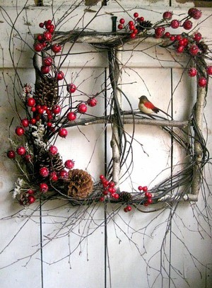 Unique Christmas Wreath Alternatives