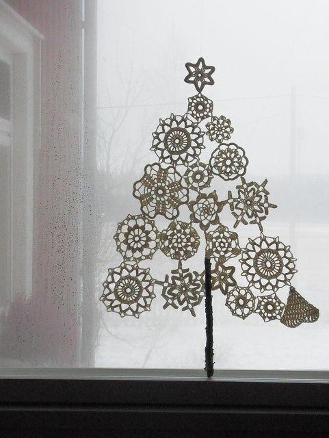 doily Christmas tree window
