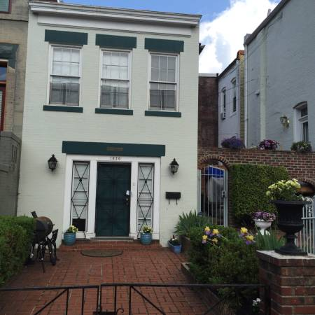 Capitol Hill One Bedroom Carriage House