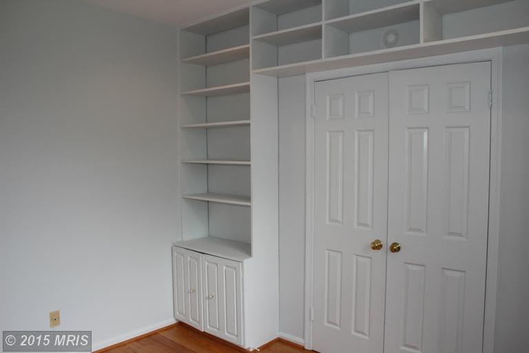 Sleek Dupont 2 Bedroom with Handsome Built-In Storage