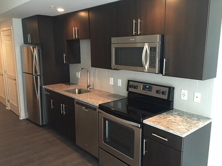 parc riverside luxury apartments apartminty. Black Bedroom Furniture Sets. Home Design Ideas