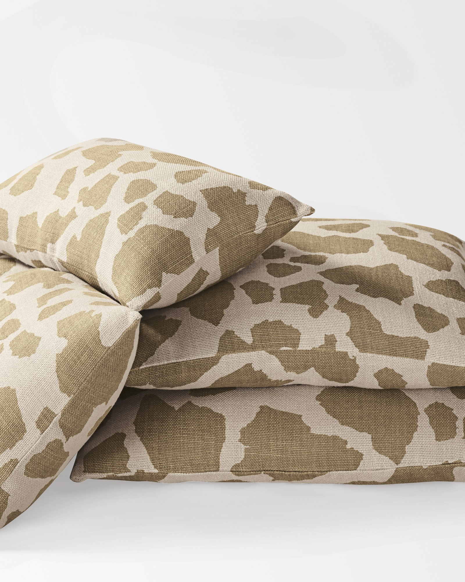 Apartminty Fresh Picks | Animal Theme | Giraffe Print Pillow Covers