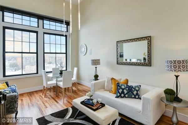 Sophisticated H Street 2 Bedroom | Living Room