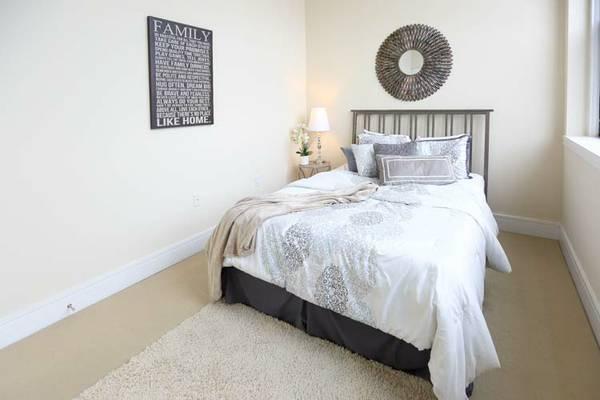 Sophisticated H Street 2 Bedroom | Bedroom