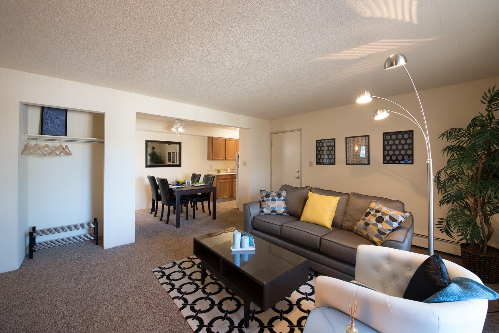 Spyglass Hill Apartments Denver