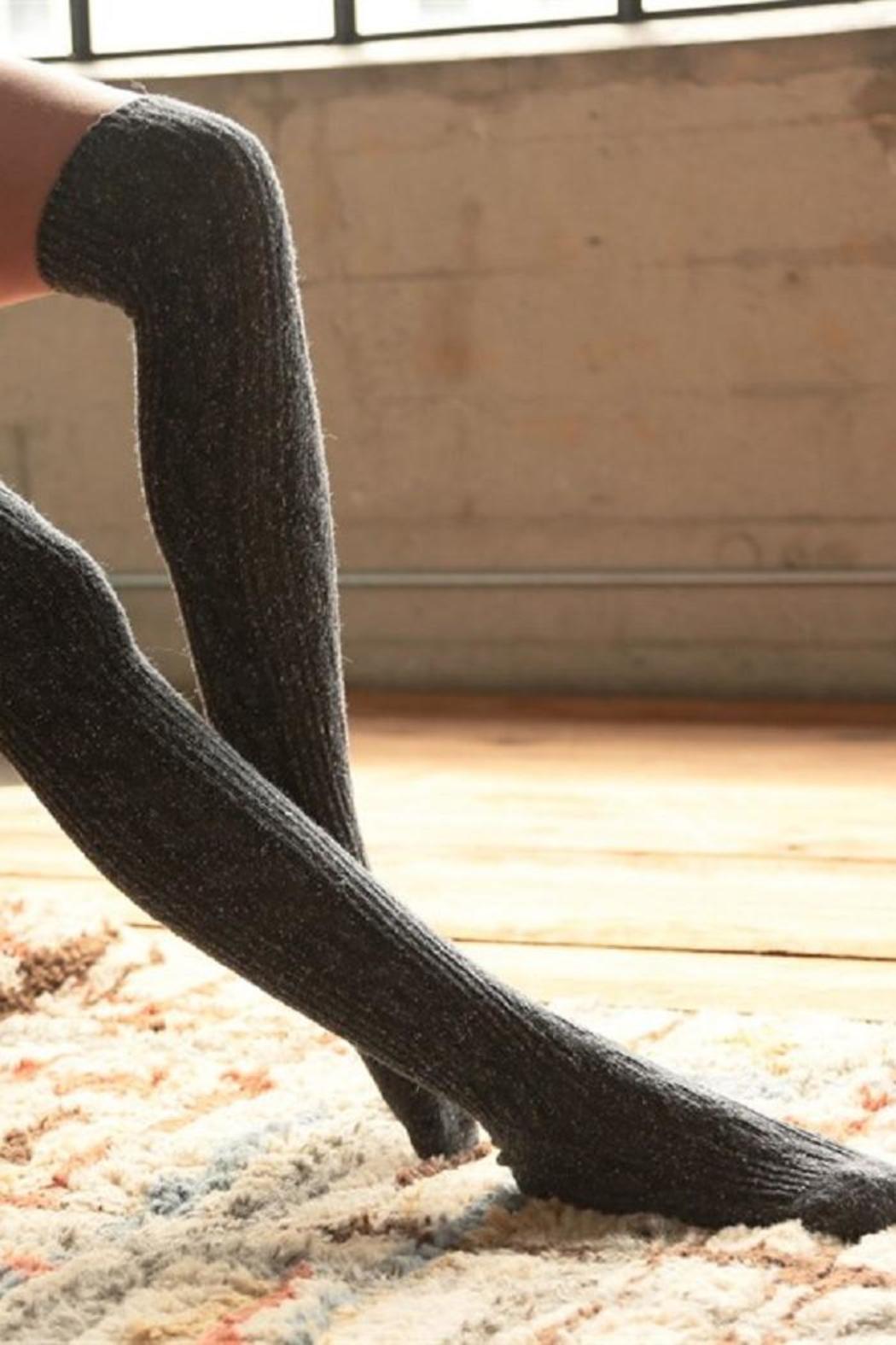 Apartminty Fresh Picks: Warm and Fuzzy | Urbanista Cable Knit Socks