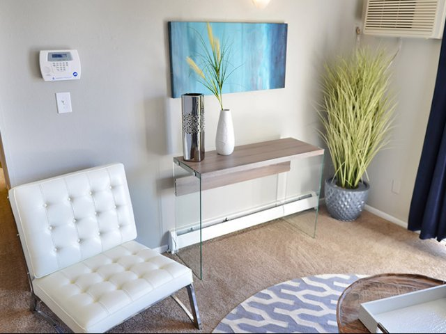 Rental pick of the week one bedroom apartment in the heart of colorado springs apartminty for One bedroom apartments colorado springs