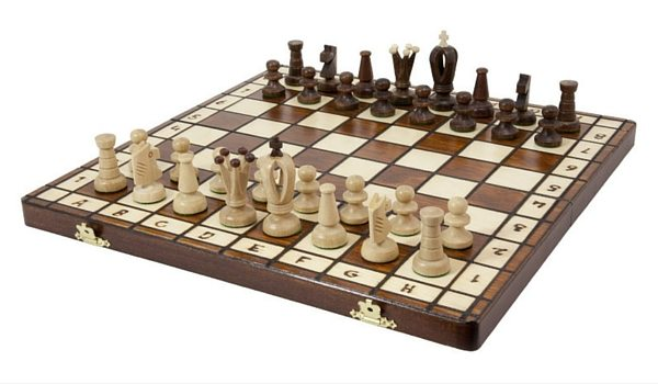 Apartminty Fresh Picks: Hosting Game Night In Your Apartment   Classic Chess Board