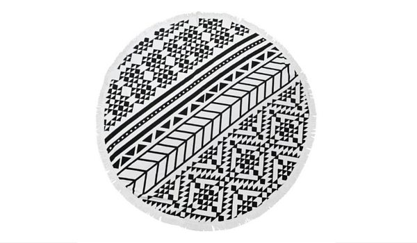 Apartminty Fresh Picks: Pool Accessories | Round Oversized Pool Towel