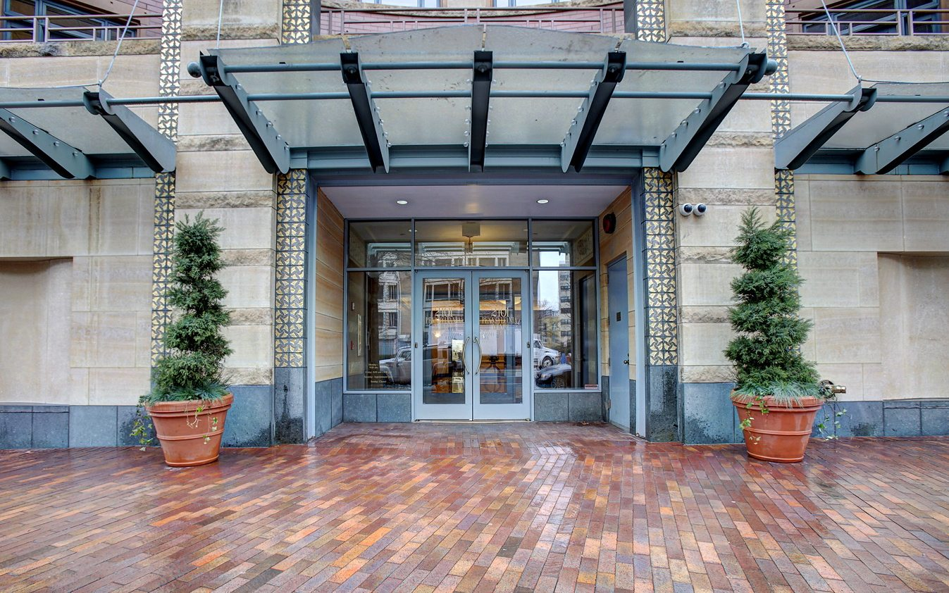Luxury Apartments in Washington, DC | 2401 Pennsylvania Ave Residences | Entrance
