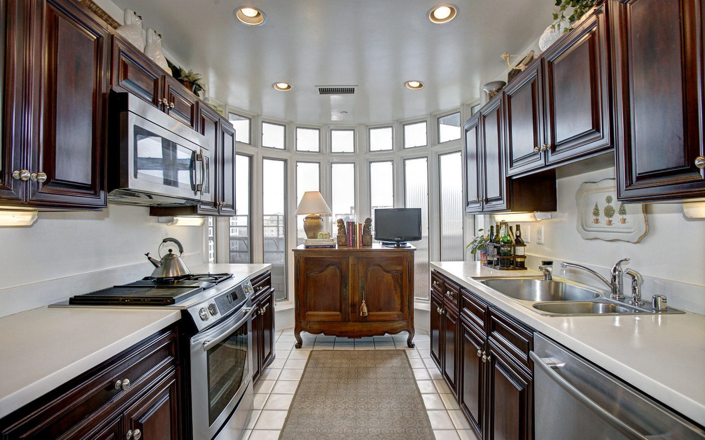 2401-pennsylvania-ave-apartments-washington-dc-gourmet-updated-kitchens