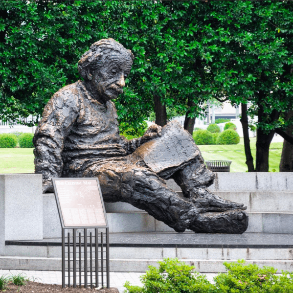 The Instagrammers Guide To Washington, DC | Photo-Ops in Washington, DC |Albert Einstein Memorial