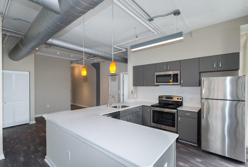 222 Saratoga Apartments Baltimore Md Kitchen