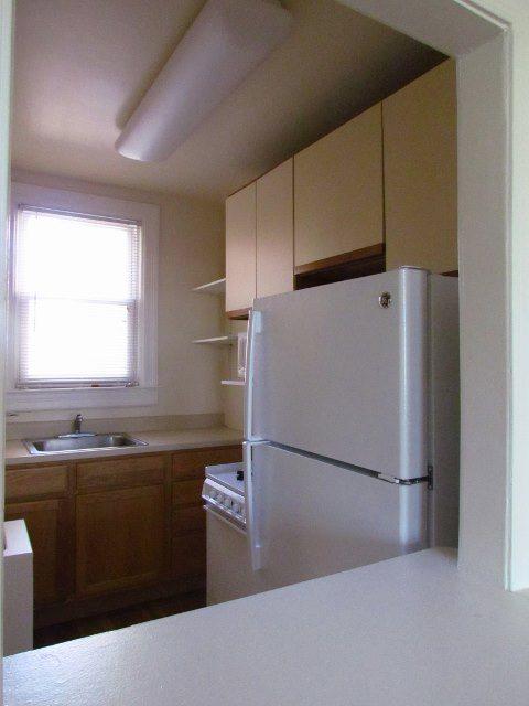 3213-wisconsin-nw-dc-rentals-kitchen (2) (480x640)