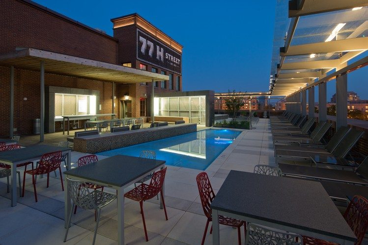 best-apartment-fitness-centers-in-dc-77-h-street-apartments-rooftop-pool