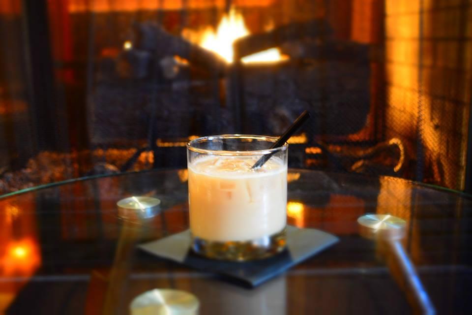 cozy-dc-restaurants-circle-bistro-fireplace