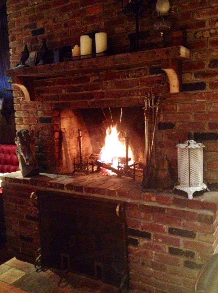 romantic-dc-restaurants-iron-gate-fireplace
