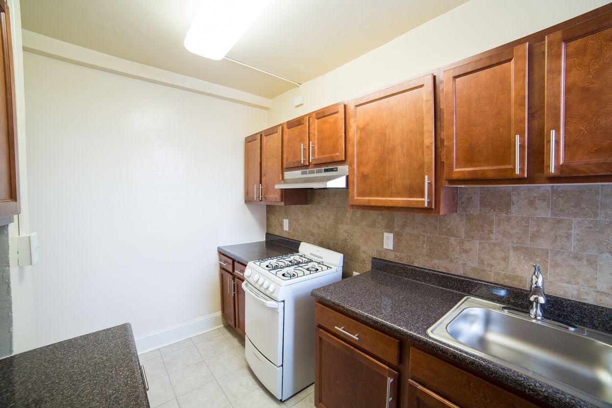 cortland-kitchen-dc-apartments