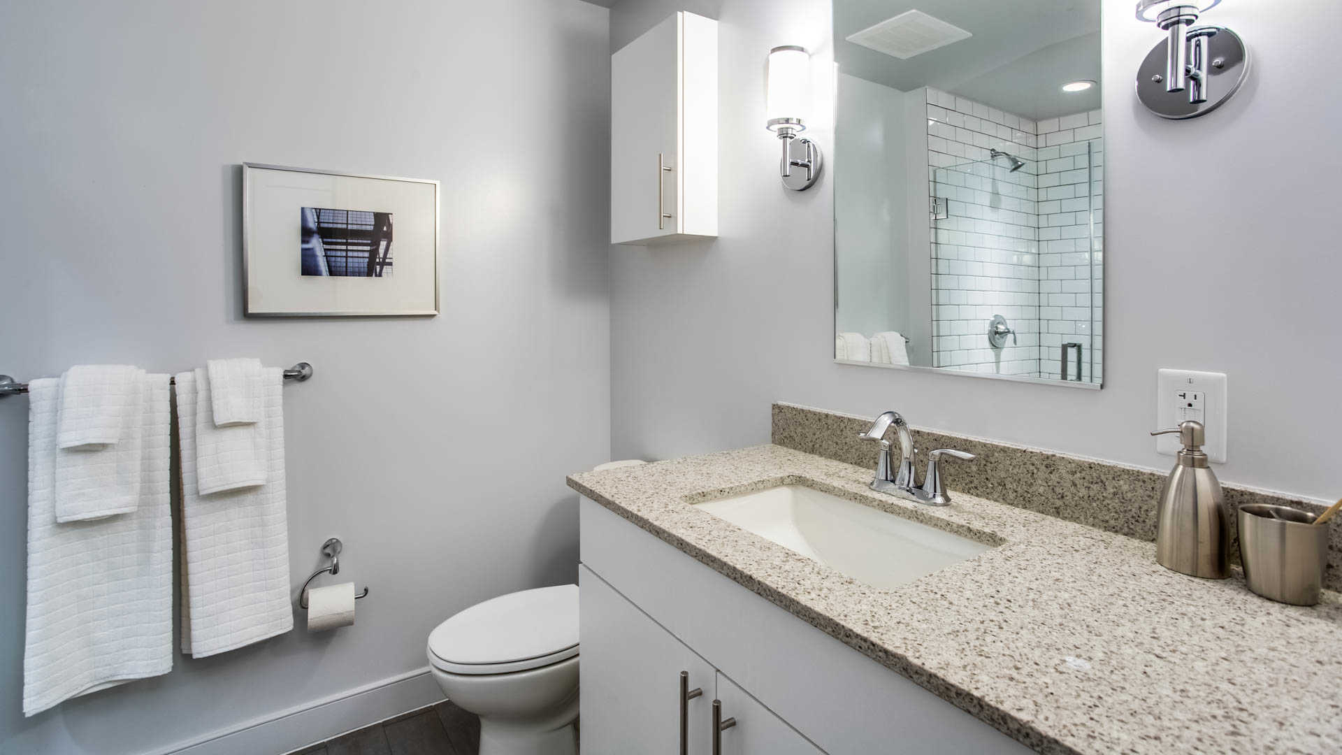 455-eye-street-new-dc-apartments-mount-vernon-triangle-bathroom