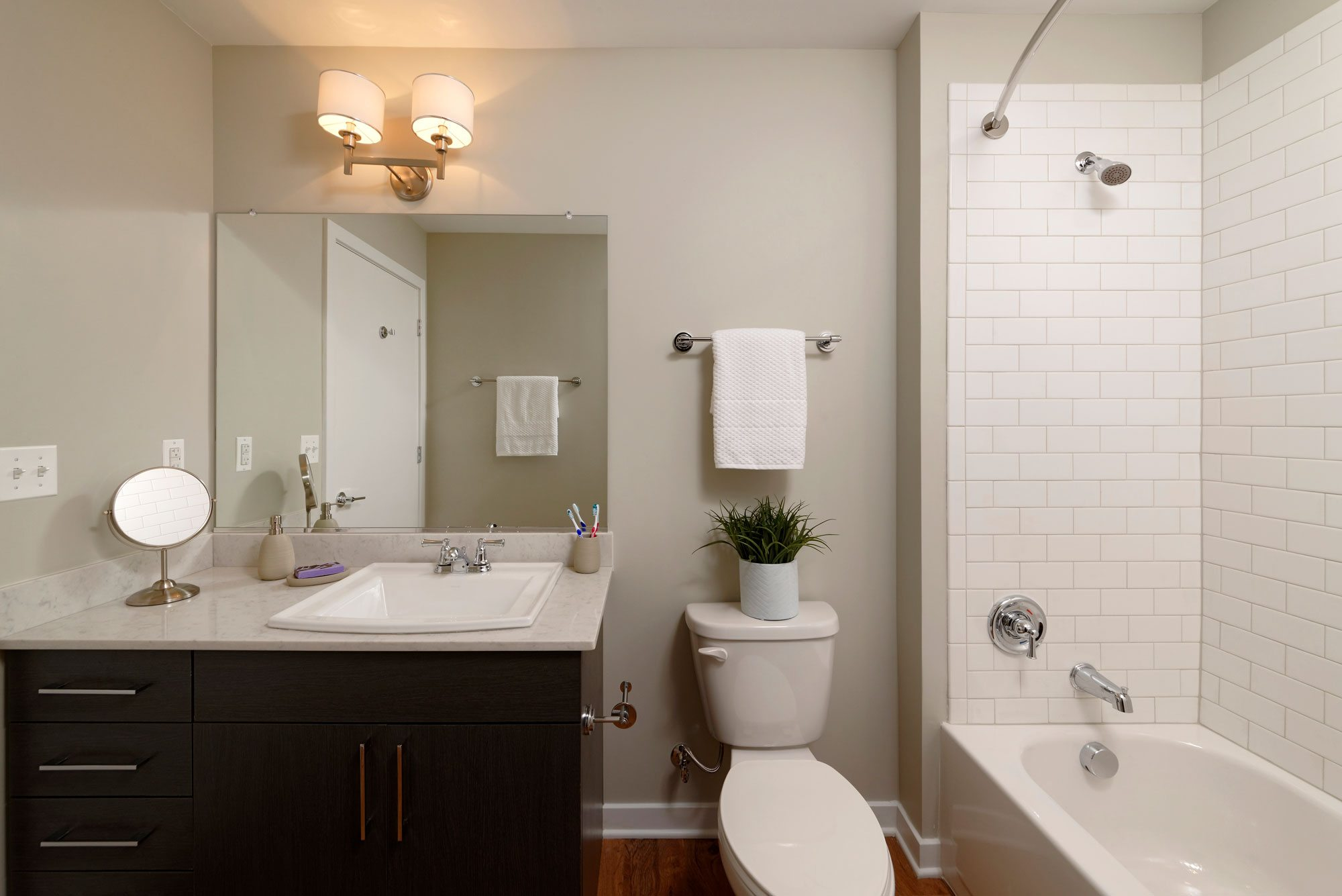 the-aspen-new-dc-apartments-mt-vernon-triangle-model-apartment-bathroom