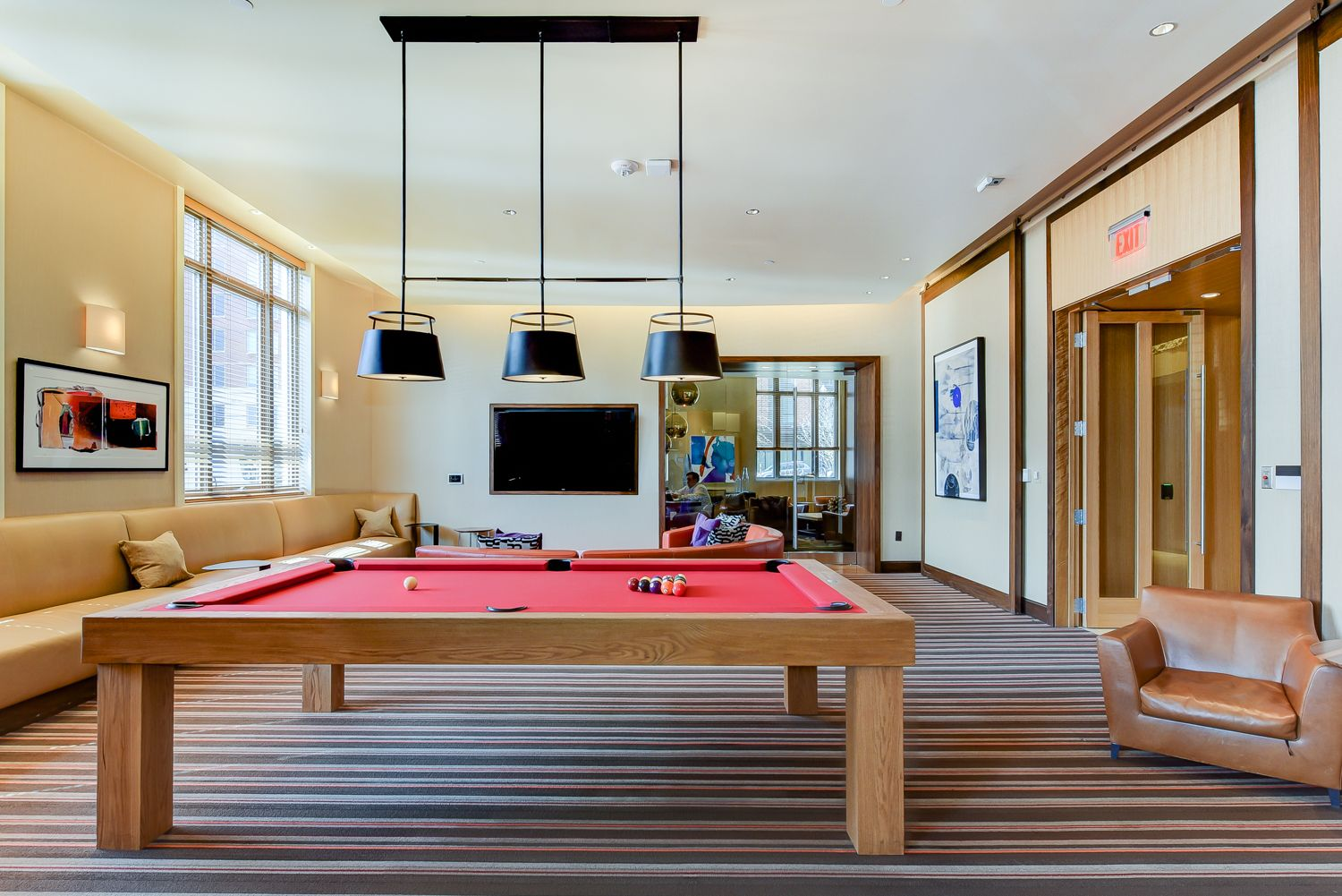 park-chelsea-clubroom-pool-table-game-area