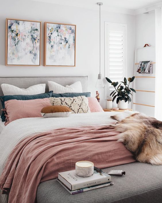 Apartment Decor For Summer | Summer Decor Trends | Pink Accessories