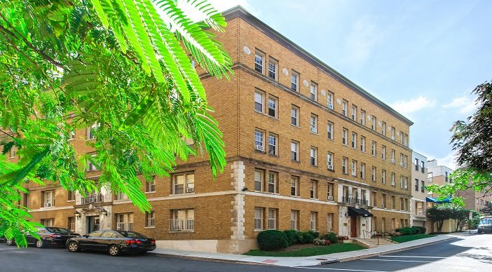 rent-controlled-dc-apartments-parkside-apartments-adams-morgan