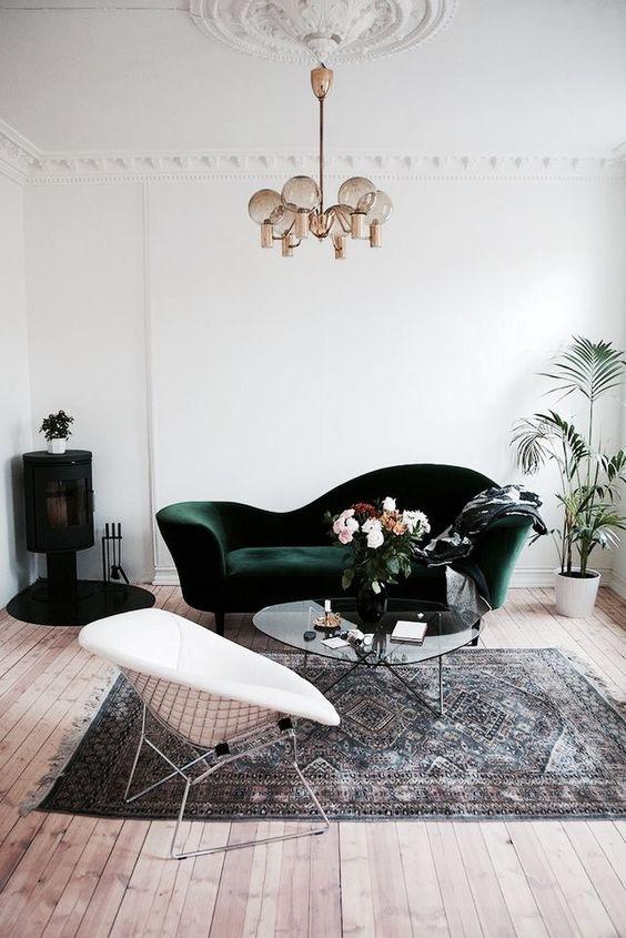 Velvet Decor | Design Inspiration | Velvet Emerald Green Couch