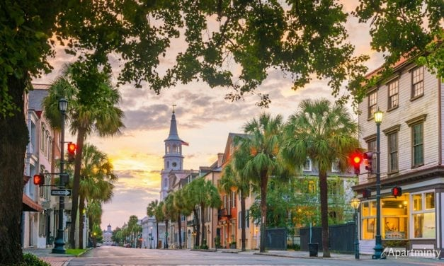 How to Live Like a Local: A Guide to Charleston, SC