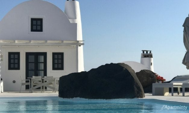 Travel Logs: Santorini, Greece 5 Things to Know