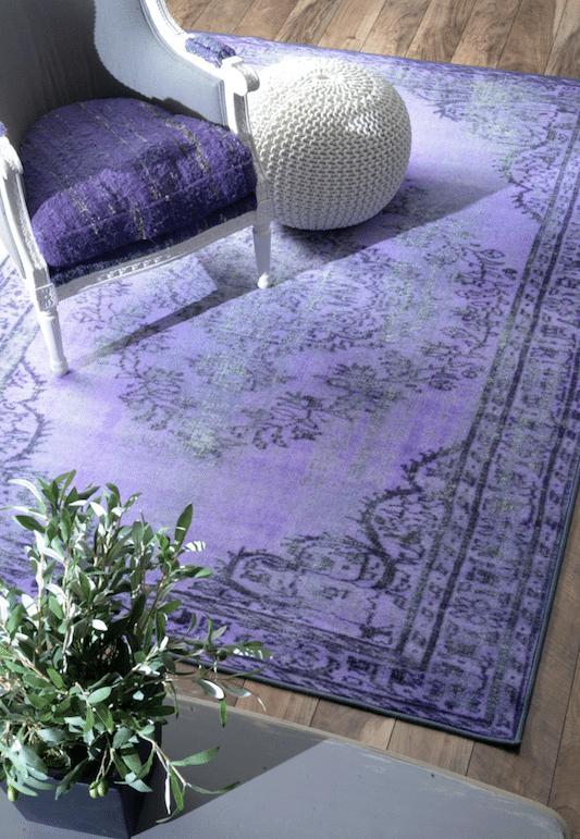 Winter Blues Decor | Design Inspiration | White and Blue Bedroom