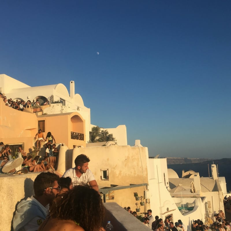 Travel Guide to Santorini | Photo-Ops in Santorini Greece | Wanderlust