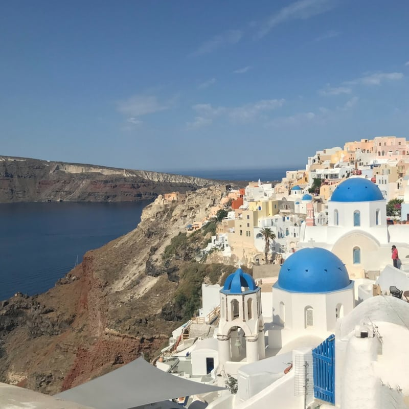 The Instagrammers Guide To Santorini, Greece | Photo-Ops in Santorini, Greece | Oia Blue Domes