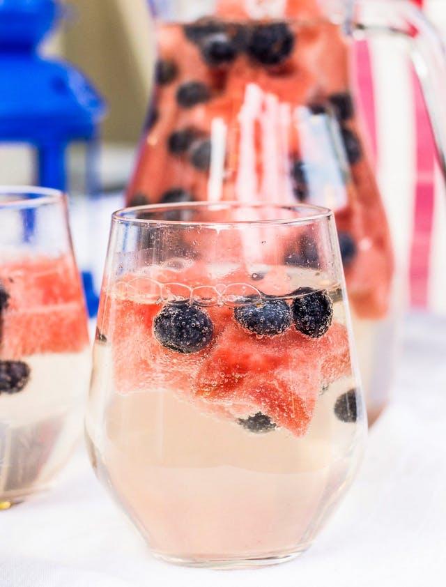 July 4th Cocktail Recipes | Sparkler Cocktail