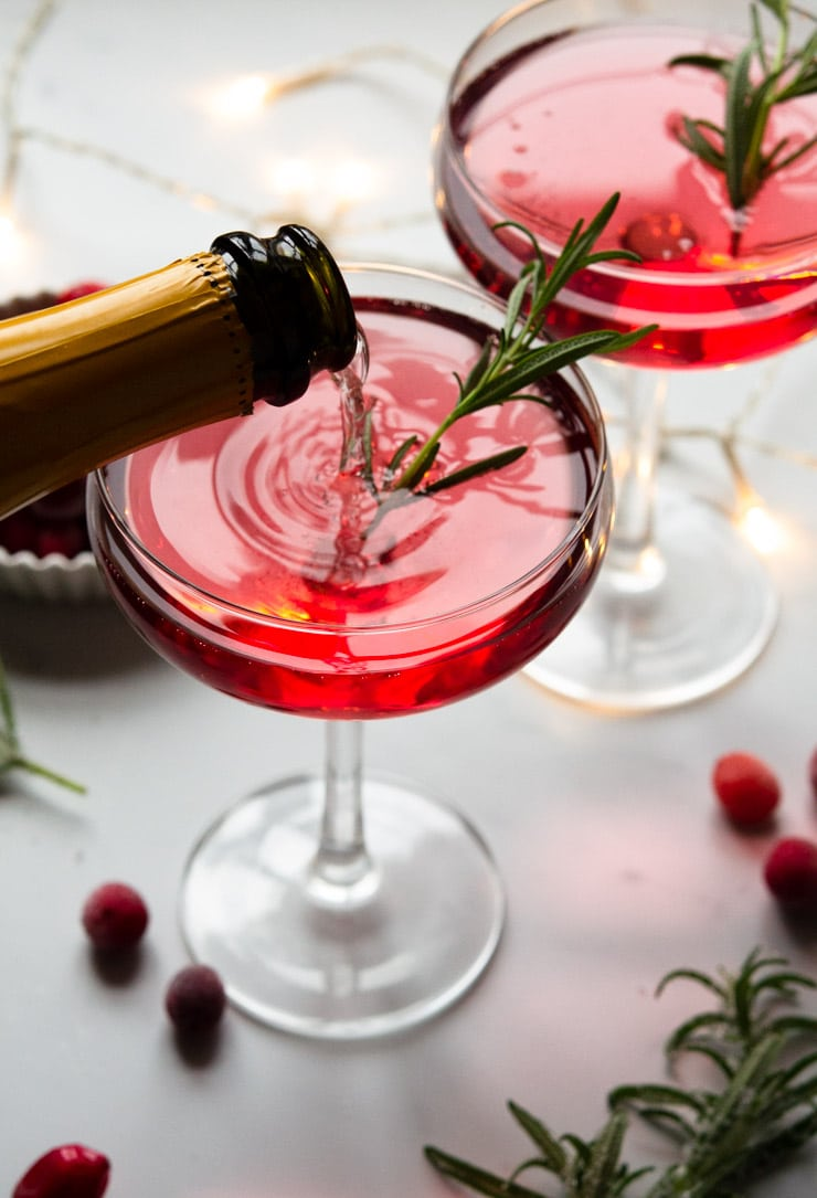 Mocktails Are The New Cocktails | Non-Alcoholic Drink Ideas | Sparkling Lemon Pineapple Kiwi Mocktail