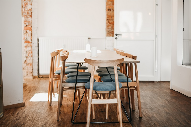 spring-cleaning-checklist-dining-room